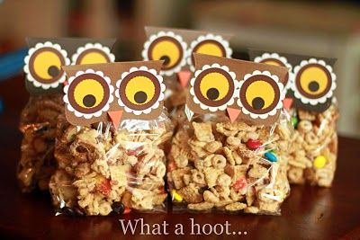 Fun treats for back-to-school (a wise old owl?) or Autumn snacks for the neighborhood kids?: Ideas, Gift, Treat Bags, Schools, Owl Snacks, Snacks Bags, Owl Treats Bags, Parties, Owl Bags