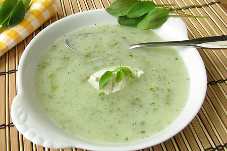 Холодный суп из крапивы