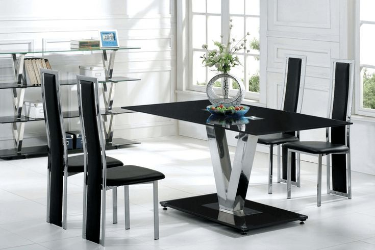 Interesting modern black dining table decorating ideas with unique flower pots
