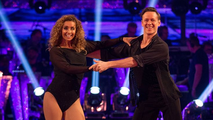 Louise Redknapp & Kevin Clifton Cha Cha to 'Flashdance... What A Feeling...