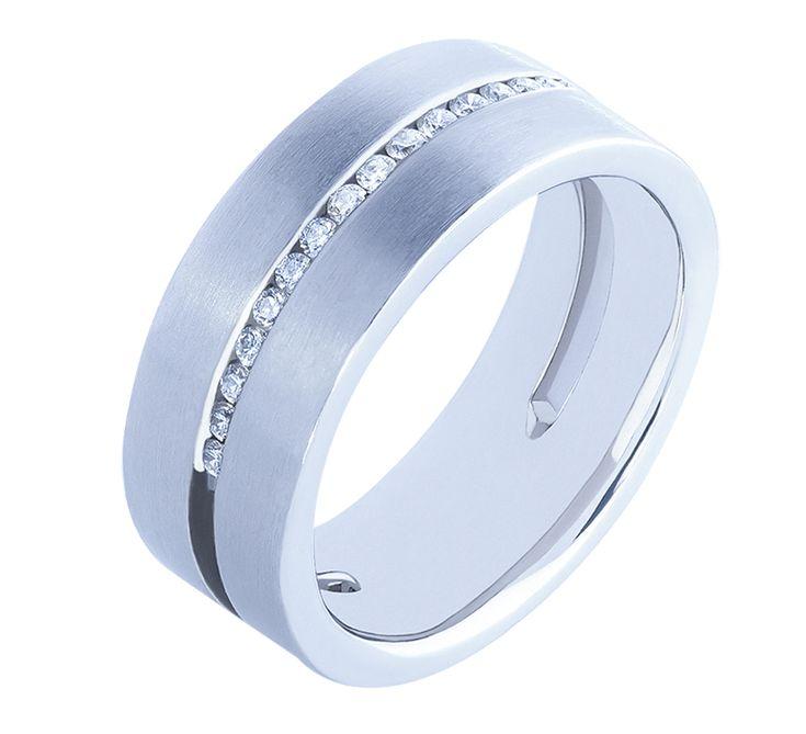 NICO JULIANY ОБРУЧАЛЬНЫЕ КОЛЬЦА    Традиция носить обручальное кольцо имеет красивую историю. В знак большой любви и преданности влюбленные дарили друг другу одинаковые кольца, демонстрируя окружающим, что они желают соединить свою судьбу на веки. Свадебные традиции не изменились и сегодня. Создавая семью, влюбленные надевают золотые кольца в знак бесконечной любви. Посмотрите другие модели обручальных колец.