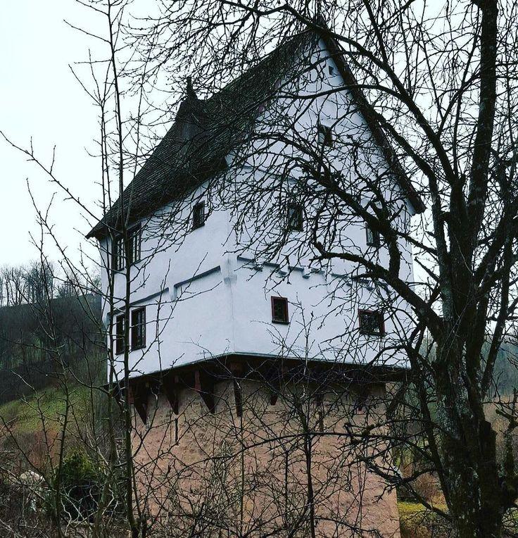 Немного о скворечниках  Встречал много разнообразных строений в мире  Этот дом  взял гран-при   #ротенбург #германия #winter #december #дом #архитектормолодеу #декабрь #путешествие #travel #germany #rothenburgobdertauber