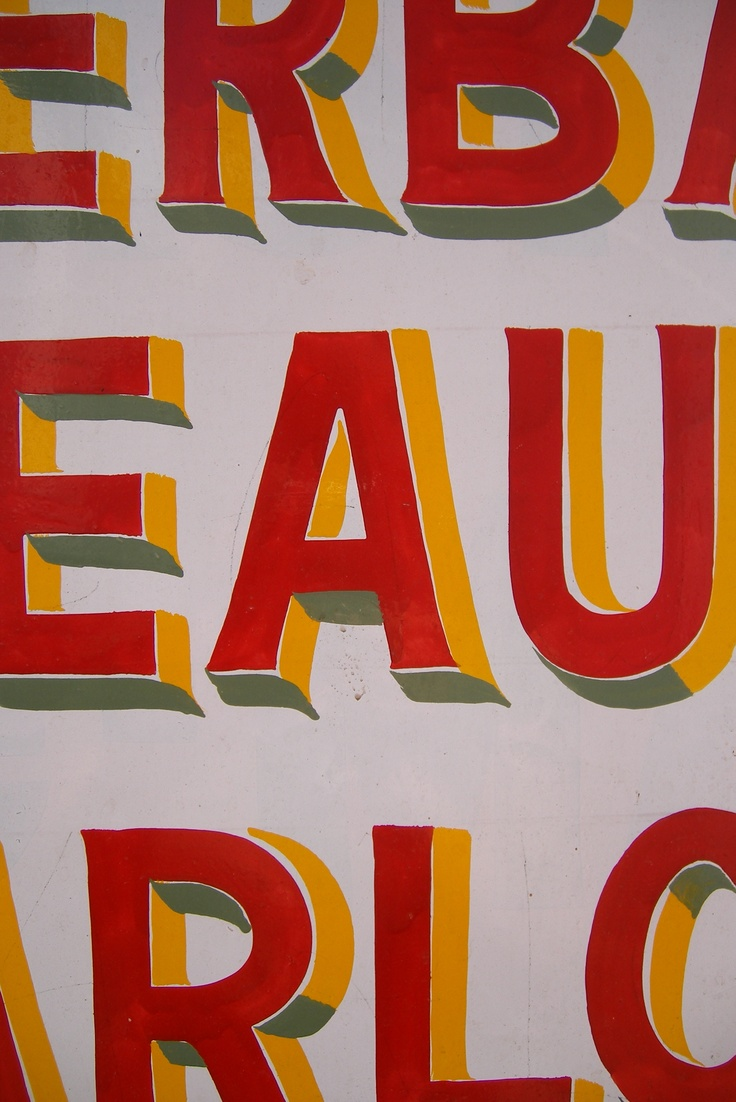 handpainted signboard in Udaipur