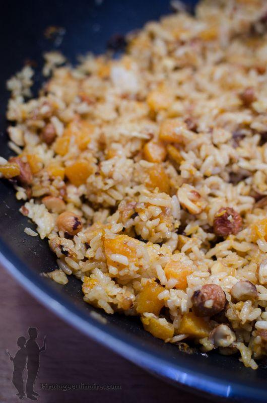 Qui dit automne, dit courge, aliment phare de cette saison. Aujourd'hui, je vous propose de déguster : une poêlée de riz à la courge butte...