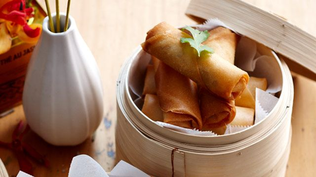 Pork and peanut spring rolls recipe - 9Kitchen