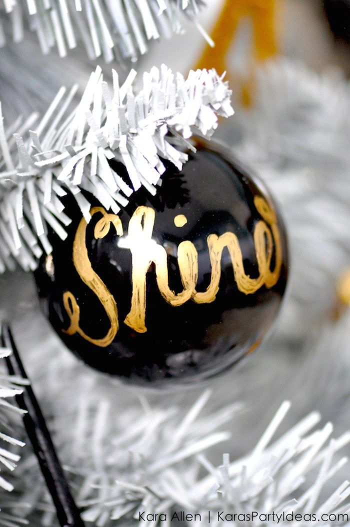17 best ideas about gold christmas tree on pinterest. Black Bedroom Furniture Sets. Home Design Ideas