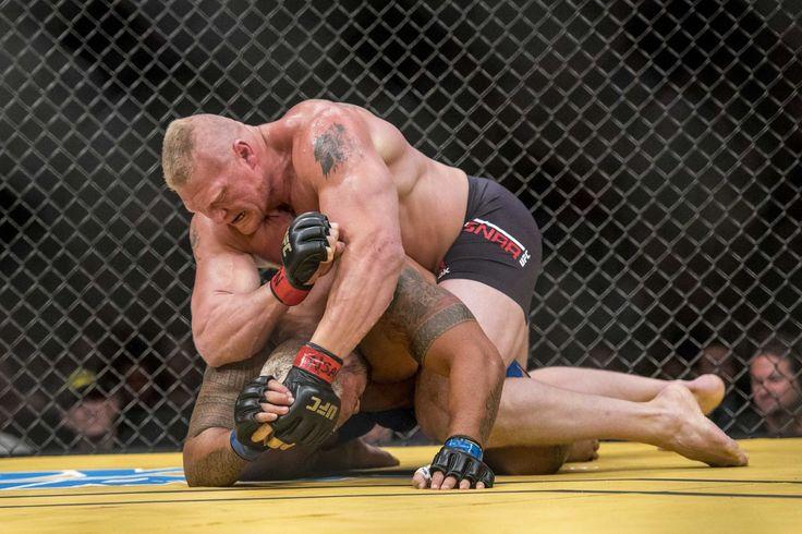 Jon Jones llama Brock Lesnar después de UFC 214 ganar