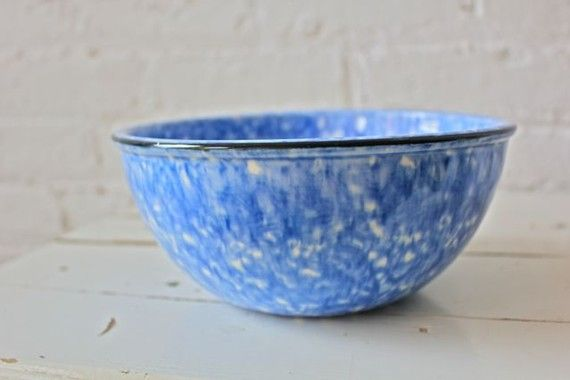 spattered blue farmhouse bowl - blue and white  I have these and also a collender
