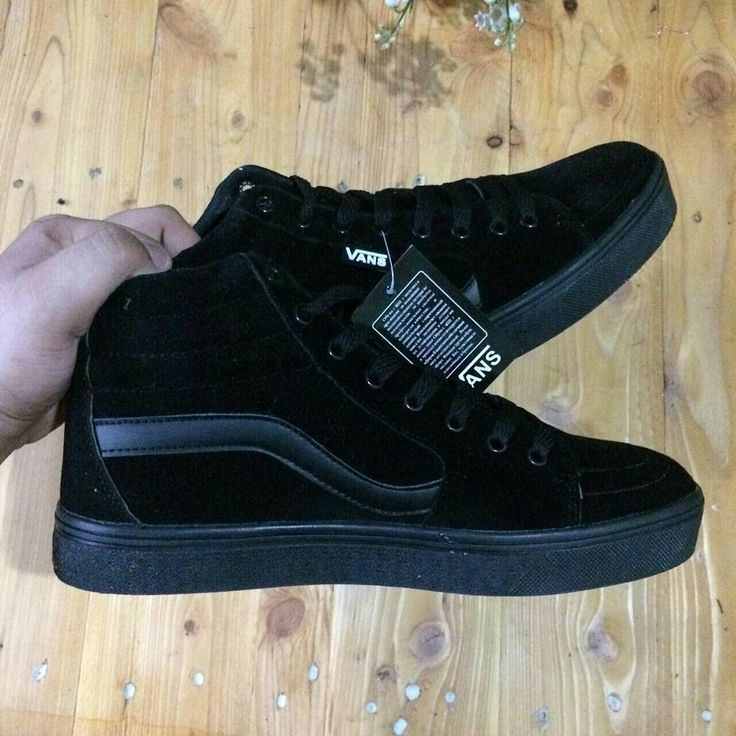 VANS TNT HIGHCUT ALL BLACK Size 38-44  Rm90 Free postage sm/ss  S300 (D)  For order whatsapp 0183574998 (Nuna)  #sneakersmurah #sneakersmalaysia  #sneakershipster #2018 #hipster #kasuthipster #kasuttrending #kasutmurah  #kasutsukan #kasutmurahmalaysia #sneakersmurah #kasutsukanmalaysia #newyear #kasutonlinemurah #gerobokhunnie  #sandals #kasutboot #teambabah