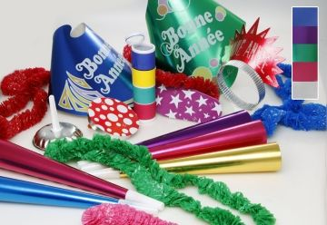 """This assortment for 10 people includes: 5 Plastic Toppers """"Bonne Année"""", 5 Glittered Tiaras, 5 Foil Horns 9"""", 5 Poly Leis, 5 Noisemakers, 1 Serpentine"""