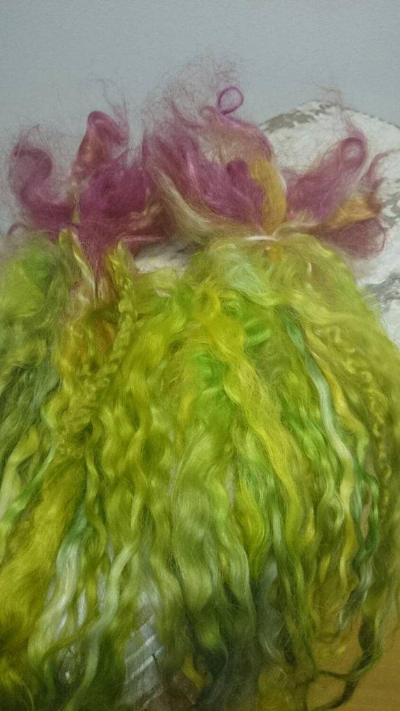 Wild Tulip lange vergrendelingen voor poppen haren door Clovetree