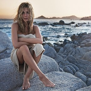 Jennifer Aniston: Fragrance, Jennifer Aniston, Girl, Aniston Perfume, Beauty, Beach, Beautiful People, Photo, Jenniferaniston