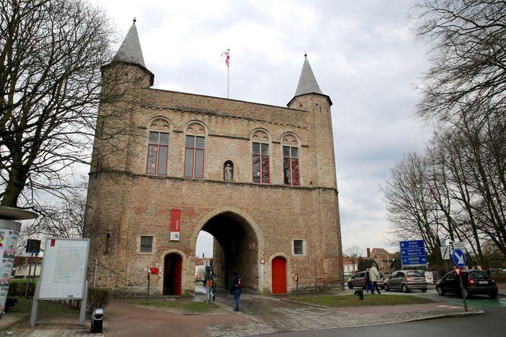 Bramia miejska w Brugii - Gentpoort