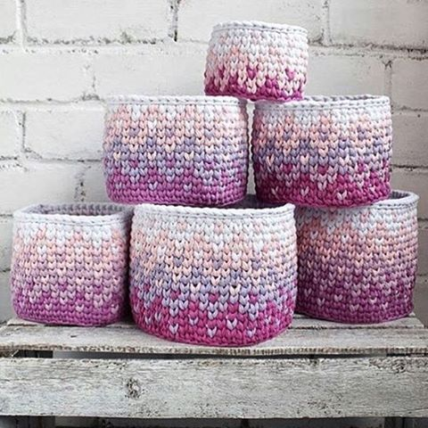 A cara da primavera 💗🌸💗🌸💗🌸 {inspiração} #handmade #feitoamão #crochet #fiodemalha #decor #deco #instadecor #detalhes #goodnight #ganchillo #knits #arte #criativo #primavera ##trapillo #yarn #boanoite #decorinfantil #inspiração #inspirationFrom @kitty_knits