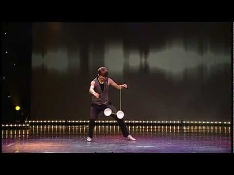 Pranay - Diabolo Act at Young Stage Circus Festival 2011 - YouTube