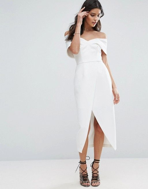 For bridal showers, we're all about the lady of the moment dressed in white.