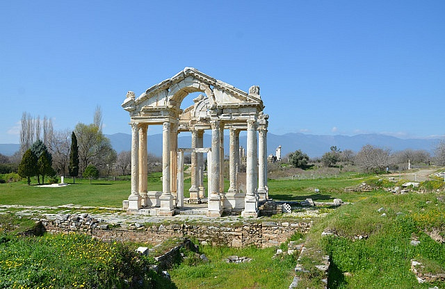 ) http://www.TravelPod.com - The ruins of theTetrapylon gateway of Aphrodisias  by TravelPod member Momentsintime, from Geyre, Turkey ... Aphrodisias ruins in the Turkish village of Geyre