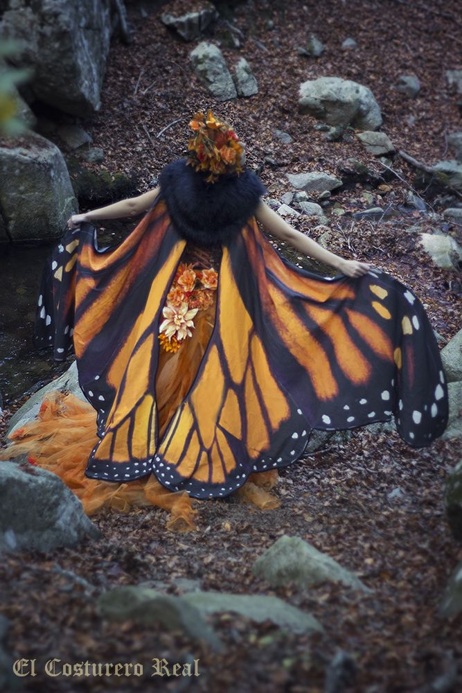 """This detailed monarch butterfly cape with matching flowers against the dark """"in the woods"""" background is magical to me. Beautifully executed by Costurero-Real.deviantart.com on @DeviantArt"""