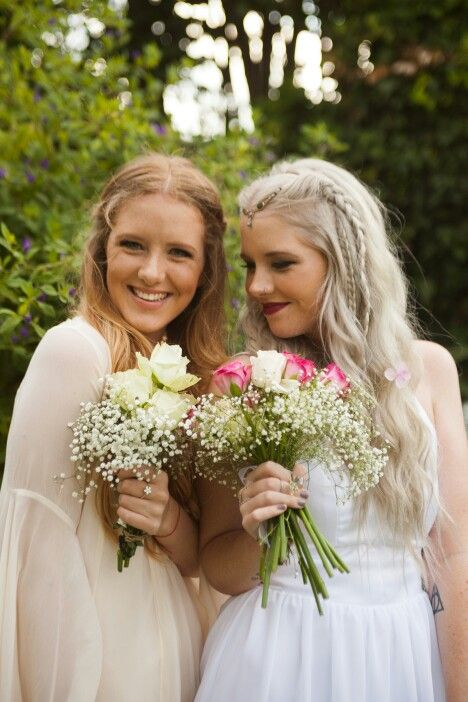 #silver #hair #bride #wedding #garden #husband #youngandmarried #love #maidofhonour #twins