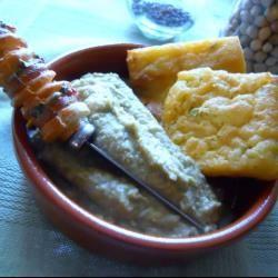 E per uno spuntino o l'antipasto ci sono le panelle, ovvero frittelle di farina di ceci ideali per accompagnare salumi, formaggi o verdure! http://allrecipes.it/ricetta/4732/panelle.aspx