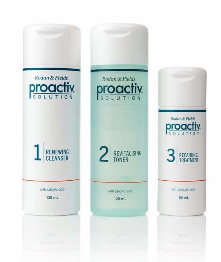 This Proactiv Plus acne treatment solution kit includes the core 3-Step System with a Refining Mask. The root cause of acne is basically the same in all of us — regardless of skin type. The best way to get read of acne is to get clear and stay clear in order to treat the problem in the most effective manner possible, and then treat your individual skin type. This is why Proactiv offers the premier antimicrobial acne treatment medicine available without a prescription. Proactiv PLUS kit…
