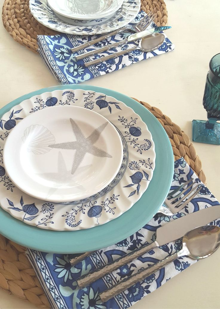 beach table setting with starfish plate | costal tablescape  sc 1 st  Pinterest & 519 best Coastal Tables images on Pinterest | Coastal living ...