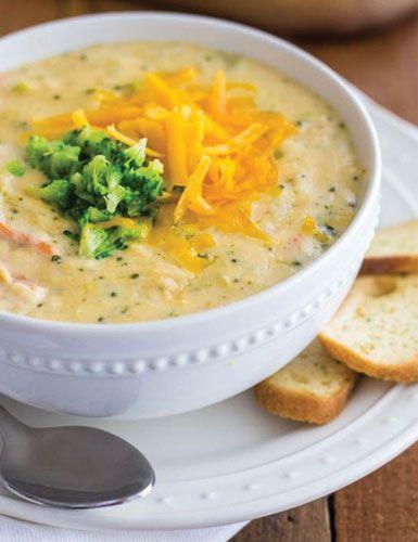 Sopa de brócolis com castanhas de caju e frango ajuda a emagrecer