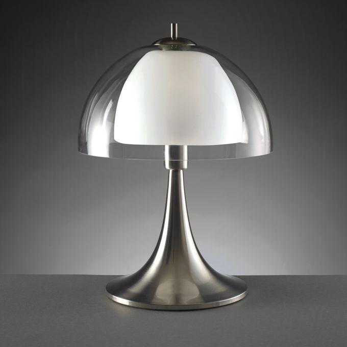LAMPADA 'VINTAGE' O978  Lampada da tavolo Vintage in vetro trasparente e metallo. Dimensioni: diam. 34x48 h. cm. Mascagni Casa