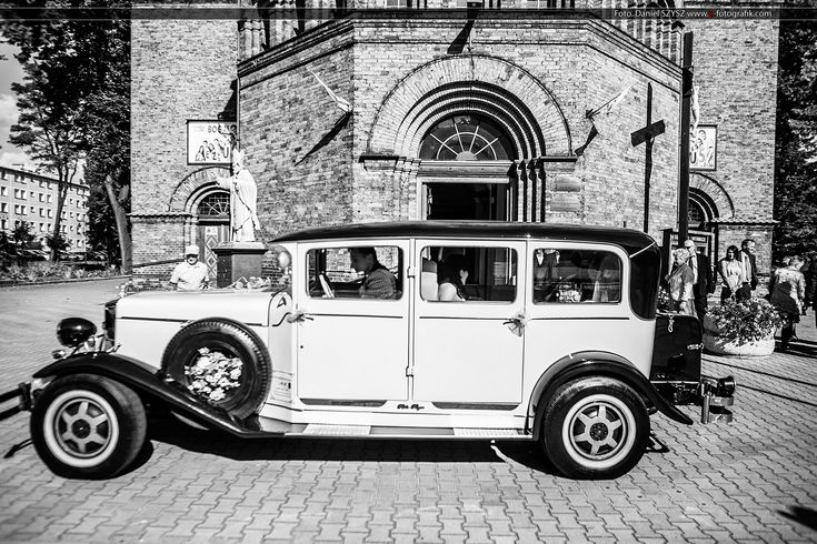 Rolls Royce for the wedding Rolls Roycem do ślubu  Foto. Daniel SZYSZ www.e-fotografik.com  #RollsRoyce #WeddingPhotos #WeddingPhotography #wedding #car #zdjeciaslubne #fotografiaslubna