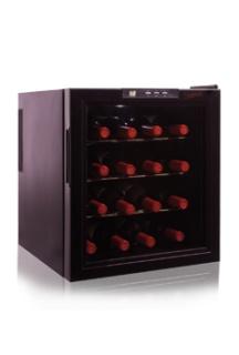 Vinoteca de Cavanova en versión 16 botellas con las mismas características técnicas que sus hermanas pequeñas:  termo eléctrico, display digital electrónico, puerta de doble cristal que protege de los rayos UVA, luz interior y control de humedad, €174,99