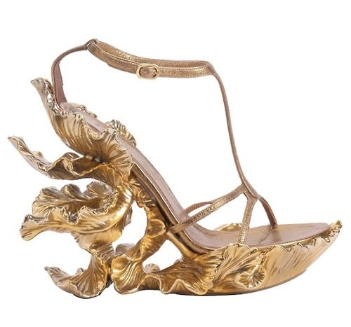 The impressive Alexander McQueen spring 2011 runway shoe was actually produced, and (was) available online for a cool $ 3,500. Consider it an investment piece.