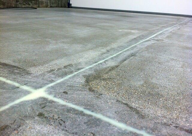 Filling Expansion And Conctraction Joints In A Garage Floor All Garage Floors Garage Floor Flooring Expansion Joint
