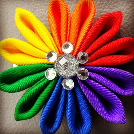 Pinza de pelo de flor de arco iris por AerynElise en Etsy