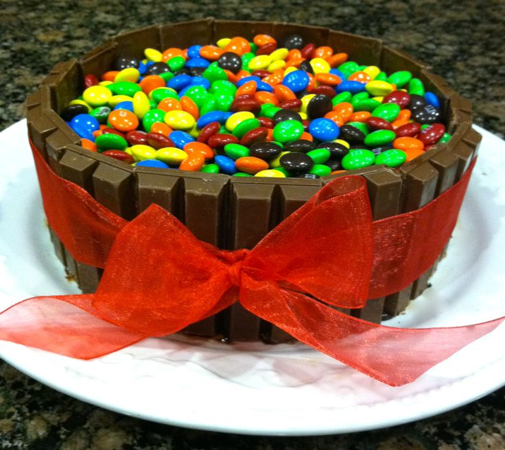 Cake Designs For Birthday Boyfriend : Boyfriend s Birthday Cake w/ REESE S inside :)(See my ...