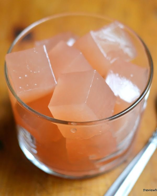 Homemade Grapefruit Jello - You're on another dreadful diet and late night munchies are your downfall. You know not having something for after dinner will set you up to fail—but before you grab the sugar-free boxed stuff, whip up a batch of this homemade version instead. It's made with fresh, real ingredients and just 34 sweet calories.