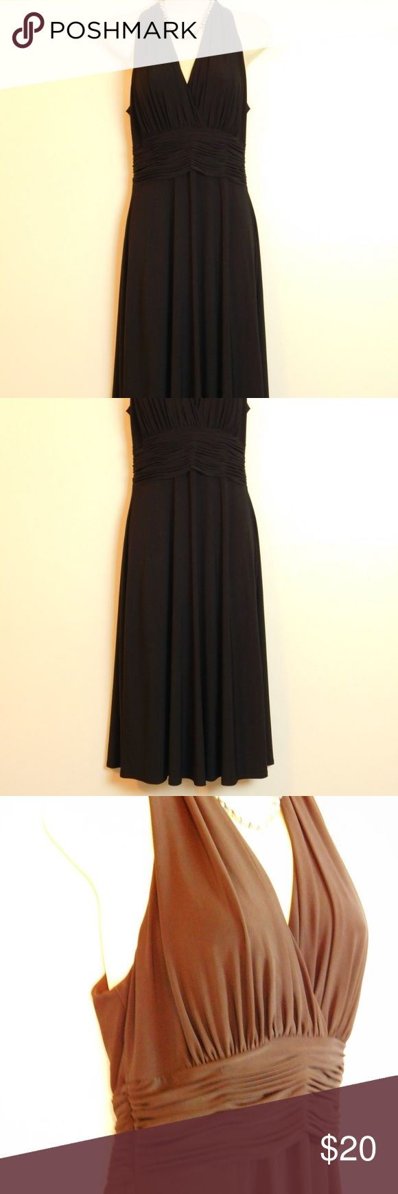 """Black Halter Ruched Flare Cocktail Dress Size 8 """"Evan Picone"""" solid back sleeveless cocktail dress perfect for special occasions and parties. EUC excellent pre-owned condition, gently used no damages Size Ladies 8 reg Color:  Black Length 43"""" back neck to hem, Bust 17"""" across front  Pullover with high trapeze neckline Ruched faux wrap bodice, no bra padding Ruched gathered high waist Sleeveless Full fit and flare skirt Bodice is lined, skirt is not  Fabric & Care 95% polyester, 5% spandex…"""