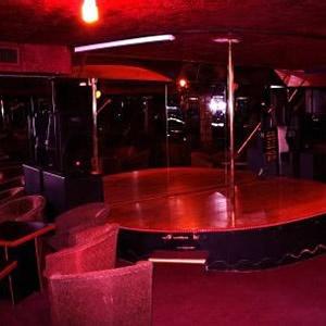 23 best dance images on pinterest bedrooms discos and lounges. Black Bedroom Furniture Sets. Home Design Ideas