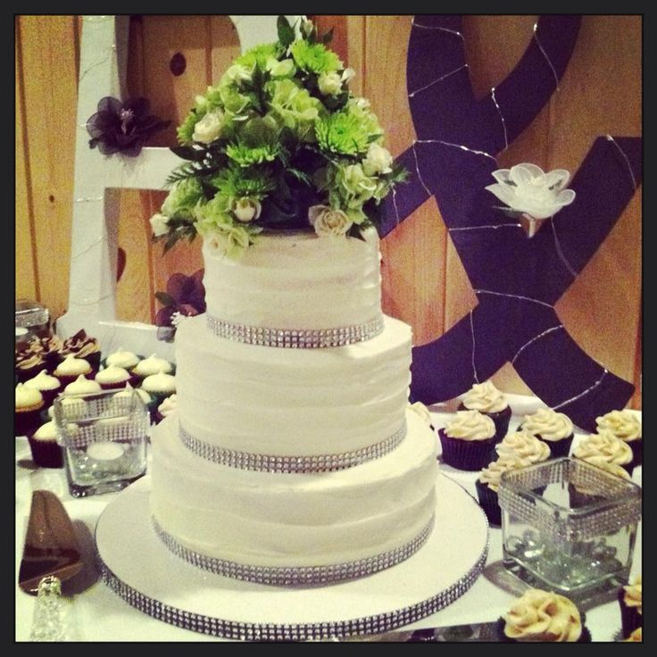 Images Of Wedding Cakes With Bling