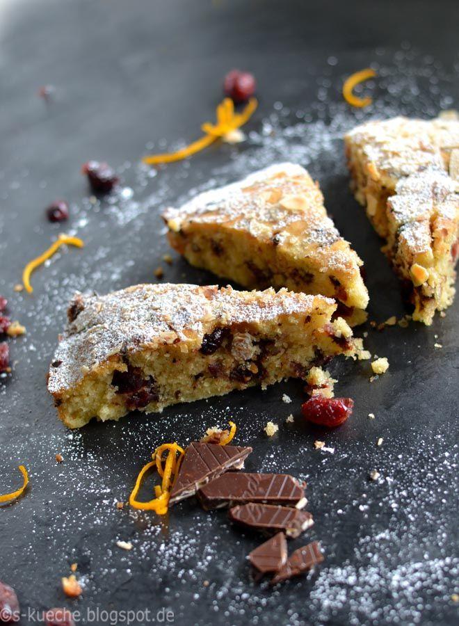 Blitzschneller, einfacher Kuchen mit Cranberries, Schokolade und Orange. Simpel aber trotzdem so lecker und jahreszeitenunabhängig.