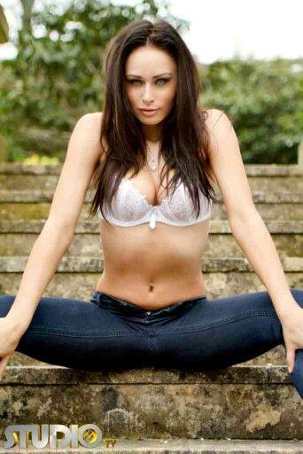 Clare Richards Nude Photos 9