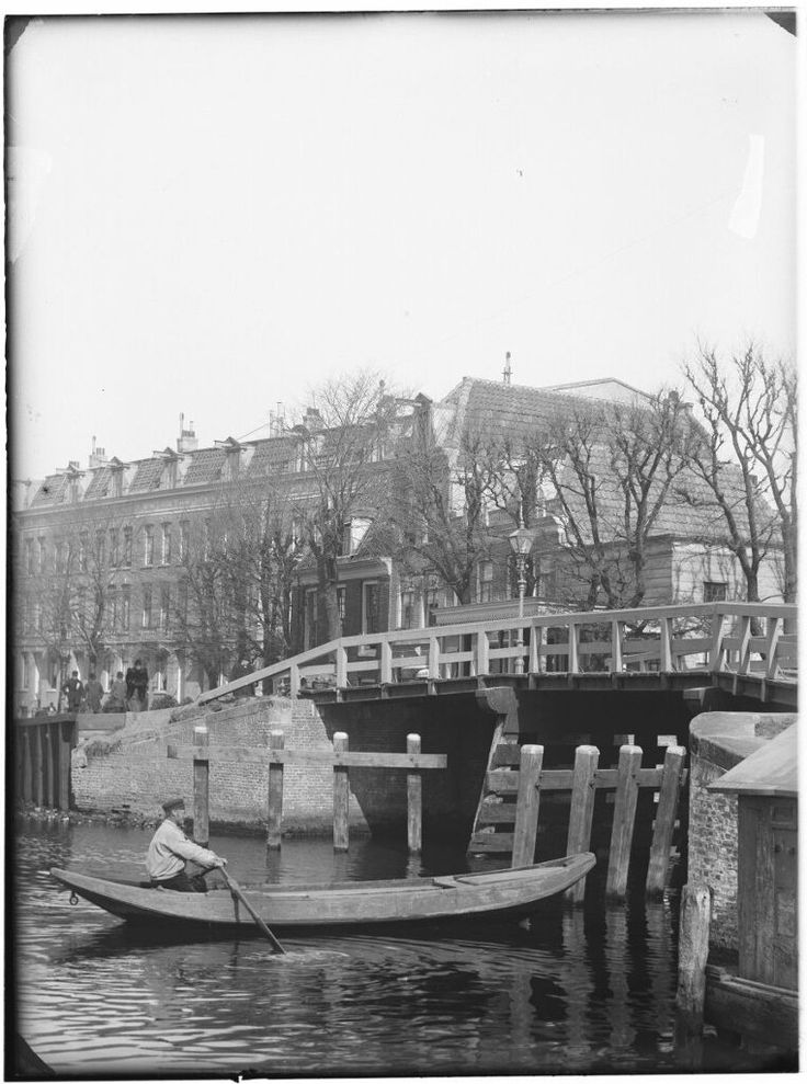 Weesperzijde 136-148, Amsterdam 1891. Foto: Jacob Olie