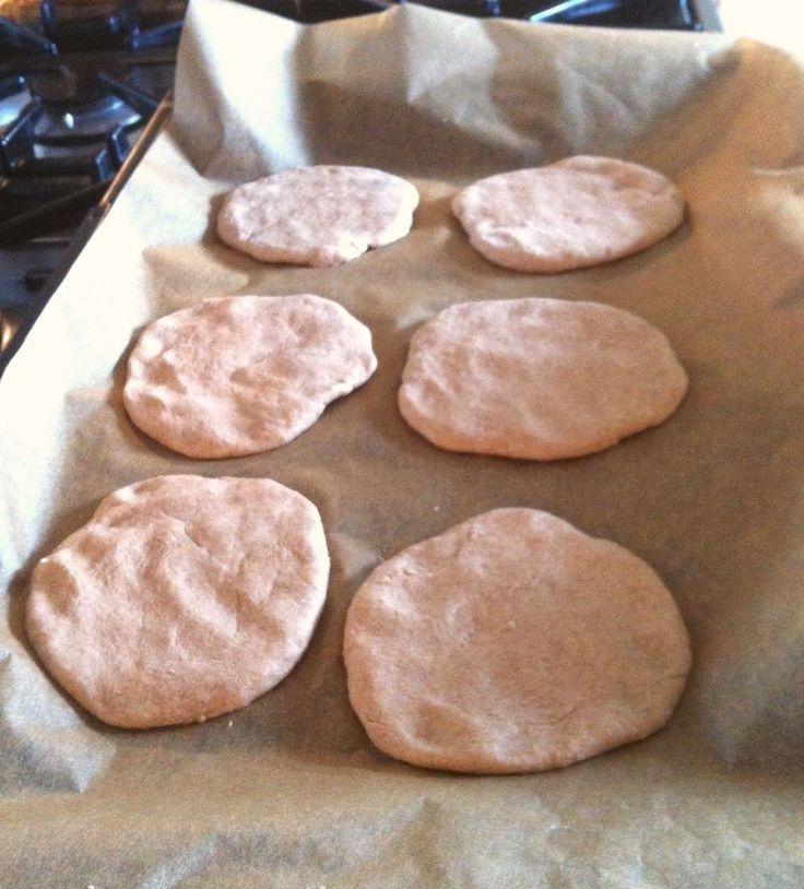 Spelt Pita Broodjes Bakken