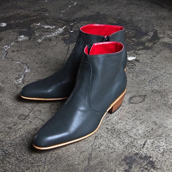 vintage inpired grey beatle boots  - FREE SHIPPING. $260.00, via Etsy.: Grey Beatles, Boots Free, Beatles Boots, Black Leather, Heart Etsy, Inpir Grey, Vintage Inpir, Vintage Inspiration, Etsy Shops