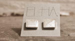 ELHA. Vi skapar handgjorda inredningsdetaljer och smycken i material som betong, koppar och läder.