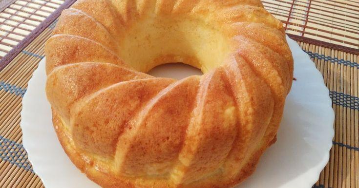 Bakina kuhinja -proja kuglof     Potrebno je:  2 čaše od jogurta kukuruznog brašna (200gr)  1 čaša griza  1/2 kesice praška za pecivo (ili...
