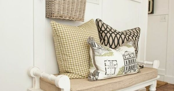 40 Traditional decoration Ideas For Your Home | Coat hooks, Entryway ideas and Bench seat