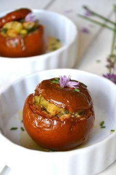Tomates farcies végétariennes aux saveurs provençales http://www.lesrecettesdejuliette.fr