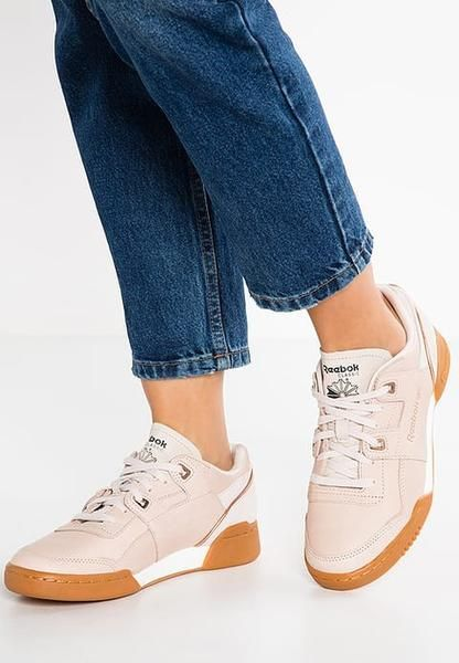 womens-reebok-classic-workout-lo-plus-golden-trainers-moon-white-chalk-rose