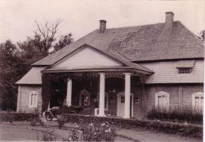 Polany-dwor-przed1939.jpg