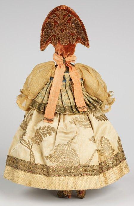 Удивительные куклы конца XVIII из коллекции Метрополитен-музея в Нью-Йорке. Их собирала Н. И. Шабельская (1841—1905).